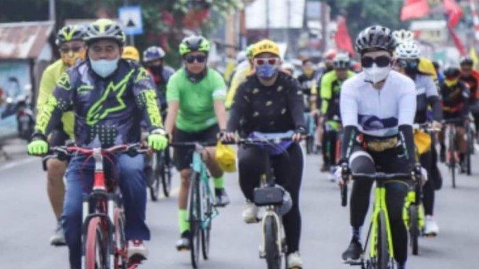 Mendekatkan Diri dengan Konstituen, Tetty Paruntu Pilih Gowes, Sejak Dulu Gemar Bersepeda