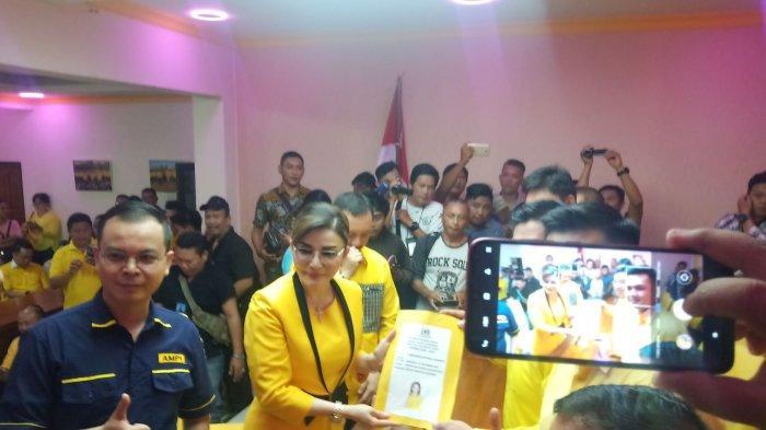 Tetty Paruntu Minta Doa Restu Masyarakat Maju Pilgub Sulut, Yel-Yel CEP Gubernur Sulut Menggema