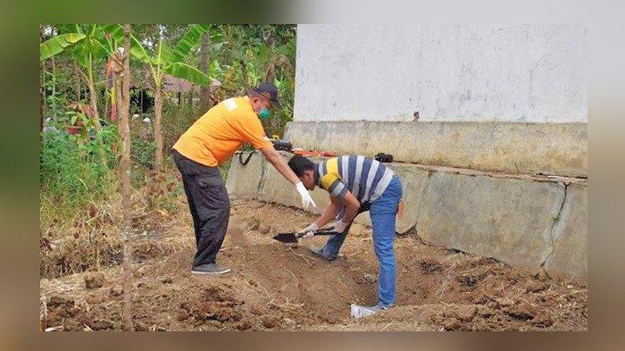 Tak Hanya Empat Tengkorak, Kerangka Potongan Tubuh Lain Juga Ditemukan di Belakang Rumah Warga