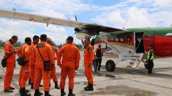 TNI-Polri dan Masyarakat Lakukan Evakuasi Pesawat Rimbun Air yang Lokasi Jatuhnya Dikuasai OPM