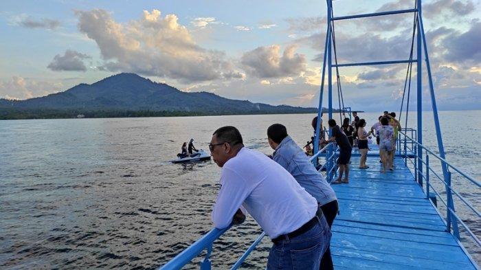 Menikmati Sunset di Tj Beach Club Resort and Water Sport, Destinasi Wisata Baru Sulut