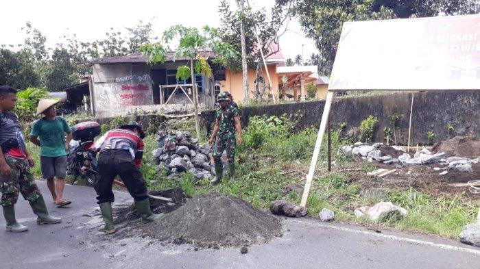 Daniel MokotikaSenang Saat Tahu TNI Akan Renovasi Rumahnya