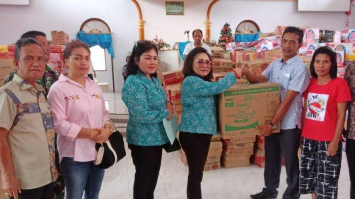 TP PKK Sulut Salurkan Bantuan bagi Korban Banjir Sangihe