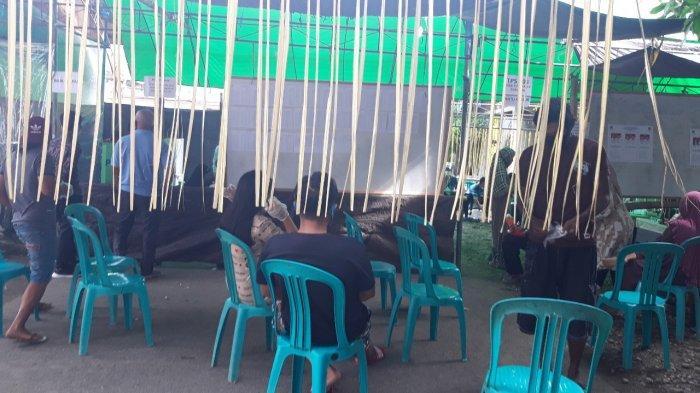 Suasana TPS 003 Tutuyan II Tempat Suhendro Boroma dan Keluarga Mencoblos
