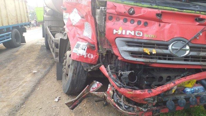 Kecelakaan Maut Pukul 14.30 WIB, Seorang Sopir Tewas, Sebuah Truk Ngebut Tabrak Truk Pertamina