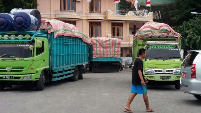 truk di Pelabuhan Siau