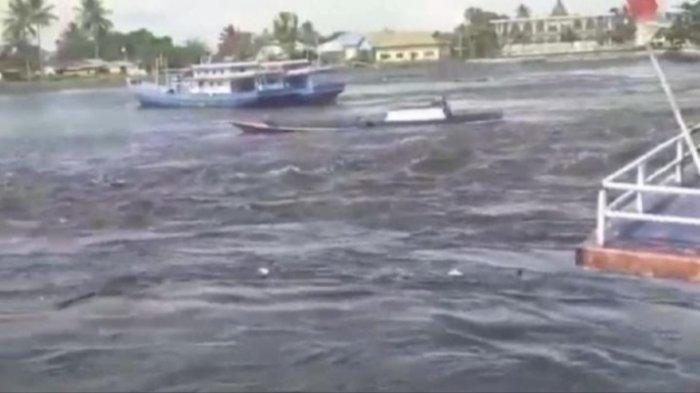 Tsunami Terjadi di Maluku Tengah, Ribuan Warga Mengungsi, BMKG Sebut Gelombang Datang Cepat Sekali