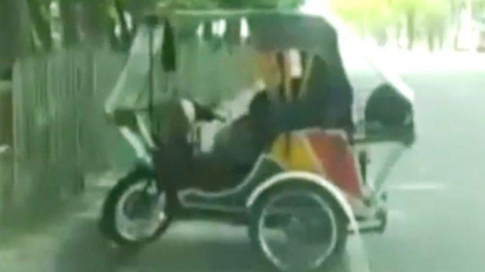 Wanita di 'Becak Goyang' Medan Minum Air Mineral Usai Kepalanya Maju Mundur, Pria Bersihkan Celana