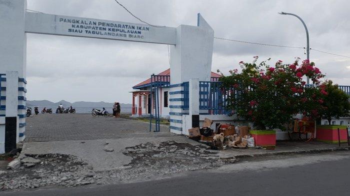 Tumpukan sampah yang sering dijumpai di Kabupaten Sitaro.