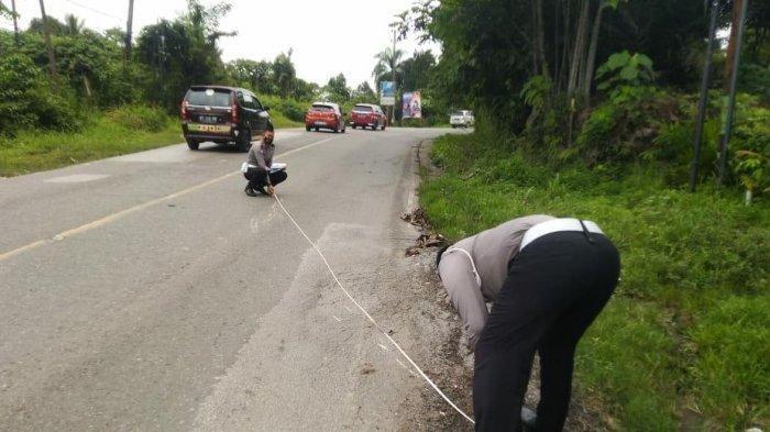 Kecelakaan, Pengendara Motor Naik Vario Tewas, Korban Hendak Menyalip Mobil di Jalanan Menurun