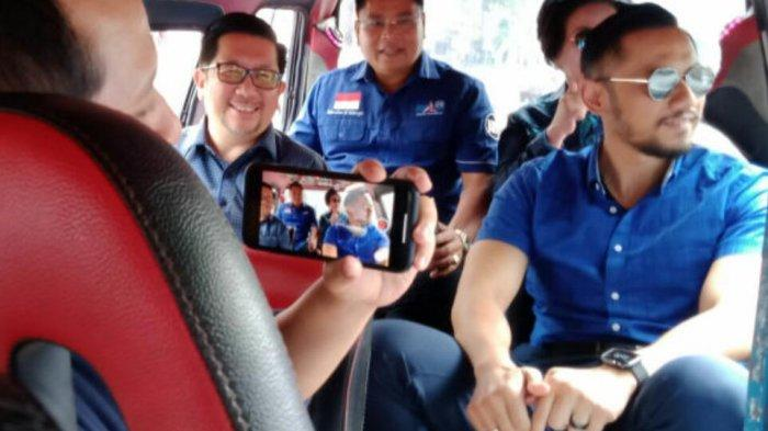 Agus Harimurti YudhoyonoNaik Mikrolet di Manado
