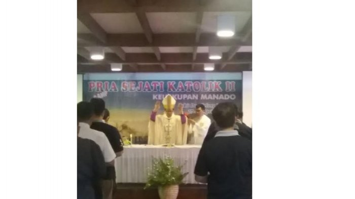 Uskup Rolly Buka Camp Priskat Keuskupan Manado Kedua