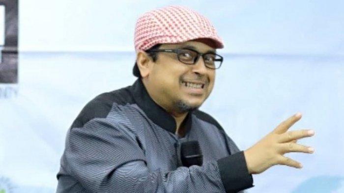 Haikal Hassan Disindir Denny Siregar: Sejak Anggota FPI Ditangkap Si Babeh Jadi Sering 'Cuci Tangan'