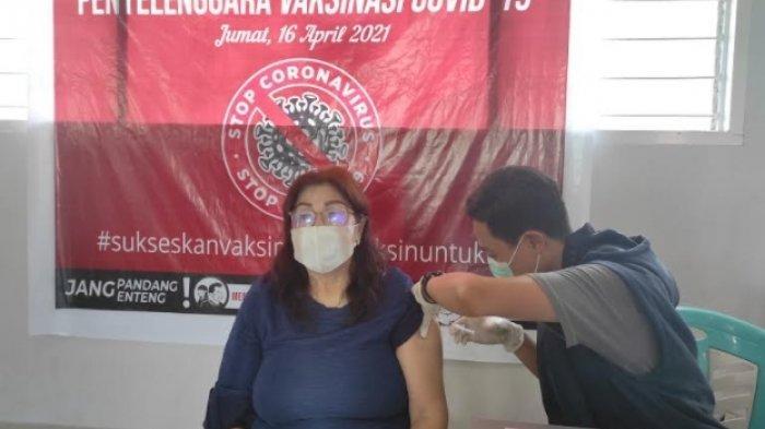 P/KB GMIM Musafir Kleak Gelar Vaksinasi Covid-19 bagi Lansia dan Tenaga Pendidik