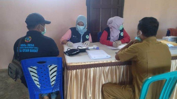 Pelayanan vaksinasi Covid-19 di Kecamatan Passi Barat, Bolaang Mongondow.