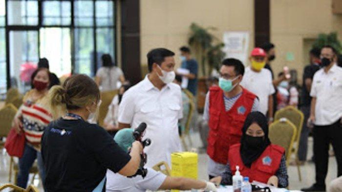 Siap Tampil di PON XX Papua, Ratusan Atlet dan Pelatih Sulut Disuntik Vaksin Covid-19