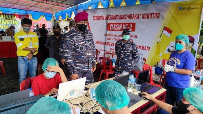 Vaksinasi yang dilaksanakan di Desa Rinondoran, Kecamatan Likupang Timur, Minahasa Utara.
