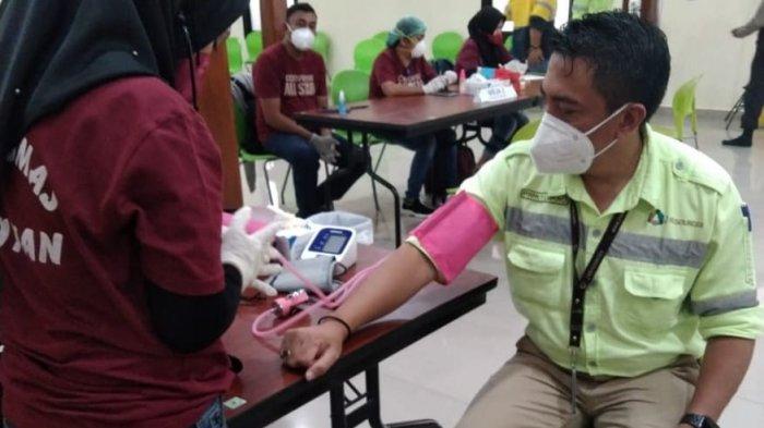 Karyawan PT JRBM Terima Vaksin dari Dinkes Bolmong