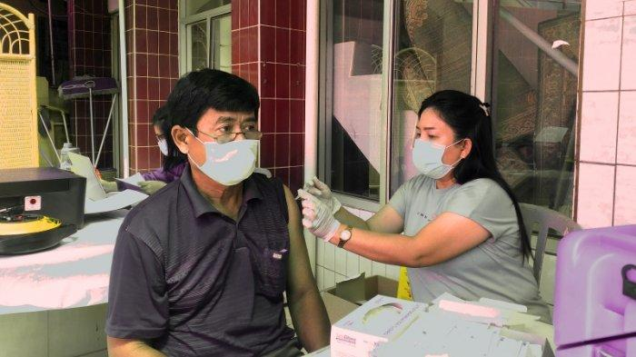 Puskesmas Tikala Baru Manado Targetkan 120 Warga Menerima Vaksin AstraZeneca