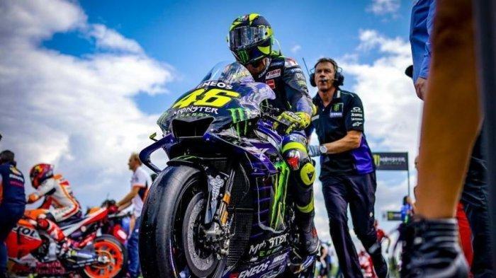 Valentino Rossi Tuding Dorna Langgar Aturan dan Bikin Marc Marquez Lama Tak Balapan