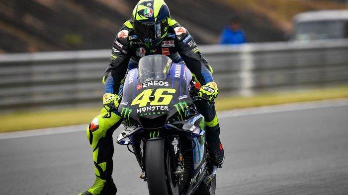 Valentino Rossi menurunkan kaki sebelum tikungan. Rossi Leg Wave
