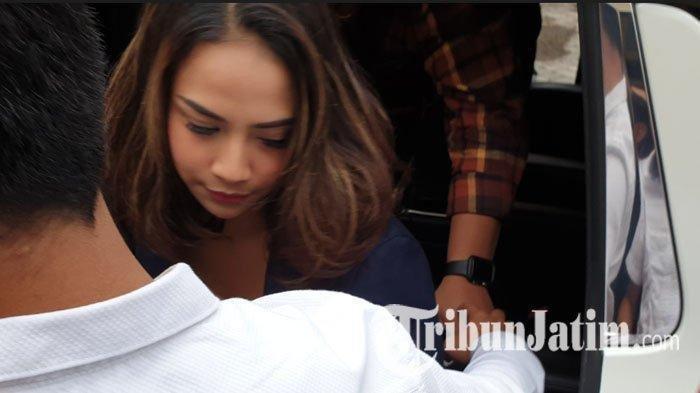 PROSTITUSI ONLINE - Vanessa Angel Dikabarkan Layani Muncikari, Begini Kata Polda Jatim