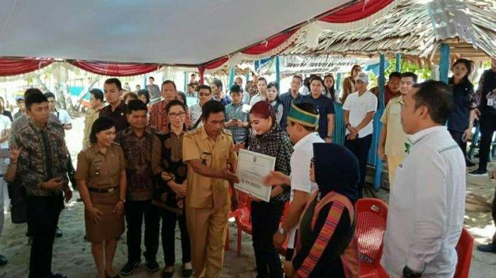 Vonnie Aneke Panambunan Dampingi Menteri PDTT Kunker di 3 Desa Ini