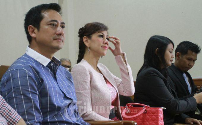 Ayah dan Ibu Verrell Bramasta Tertangkap Kamera Saat Buka Puasa Bersama, Rujuk?