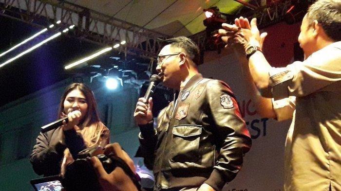 Via Vallen Ajak Nyanyi Lagu Sayang, Ridwan Kamil: Saya Lebih Baik Push Up