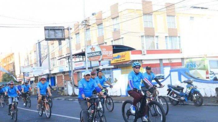 Manado Kota Bersepeda, Vicky Lumentut Ajak Masyarakat Bersepeda Kurangi Polusi