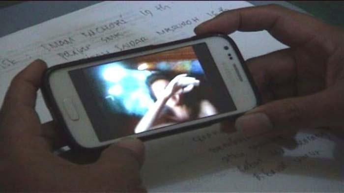 Viral Video, Pegawai Bank BUMD Main dengan Seorang Pria, Durasi 17 Detik
