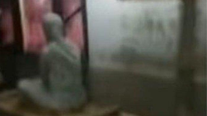 Video Viral Wanita Meninggal 7 Hari Lalu Duduk di Depan Rumah di <a href='https://manado.tribunnews.com/tag/cianjur' title='Cianjur'>Cianjur</a>.