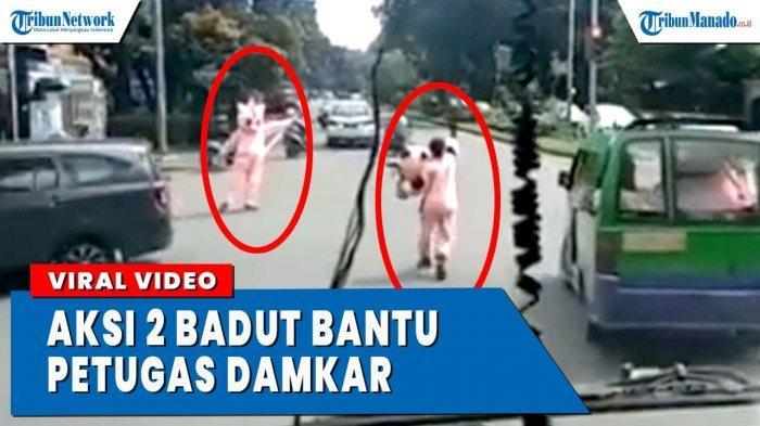 VIDEO Viral Aksi Badut Bantu Petugas Damkar Buka Jalan