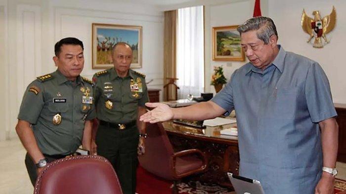 Viral Moeldoko cium tangan SBY. Momen Moeldoko diundang Presiden SBY untuk melakukan Fit dan Propertes KSAD.