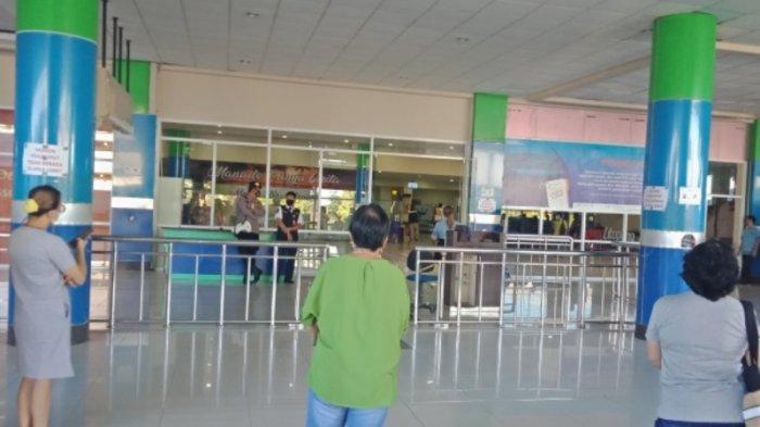 Vonnie Anneke Panambunan tiba di Bandara Sam Ratulangi Manado Rabu (28/4/2021) pagi.