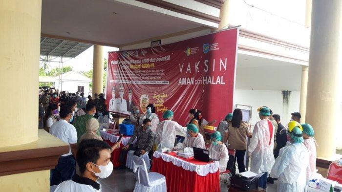 Vaksinasi Covid-19 Kabupaten Bolmong, Wabup dan Sekda Bolmong Terima Penyuntikan Vaksin