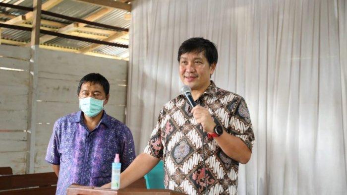 Wagub Serahkan Bantuan Pembangunan GMIM Yordan Mitra, Pemprov Kucur Rp 200 Juta
