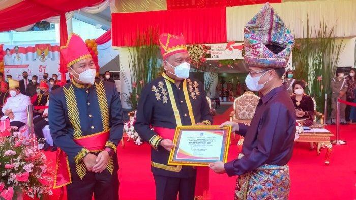 HUT Ke-57 Sulut, Pemkab Bolmong Terima Penghargaan Atas Penurunan Stunting