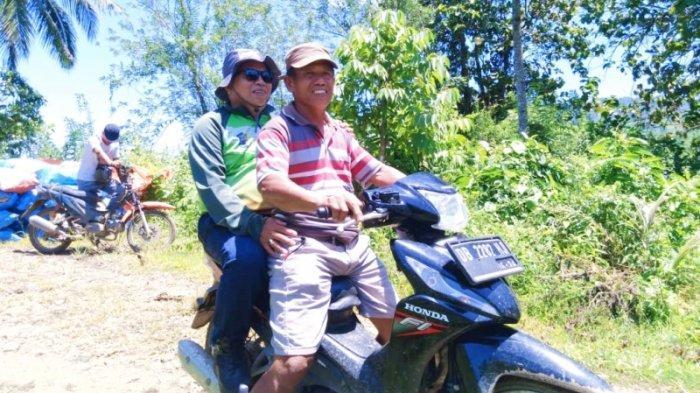 Kendarai Sepeda Motor, Wabup Bolmut Amin Lasena Kunjungi Petani di Desa Tuntung - wakil-bupati-bolmut-amin-lasena-terjun-langsung-menemui-petani-di-desa-tuntung.jpg