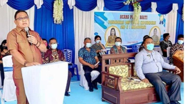 Wabub Talaud Arunde Parapaga HadiriAcara Purna Bakti ASN di SMP 1 Melonguane
