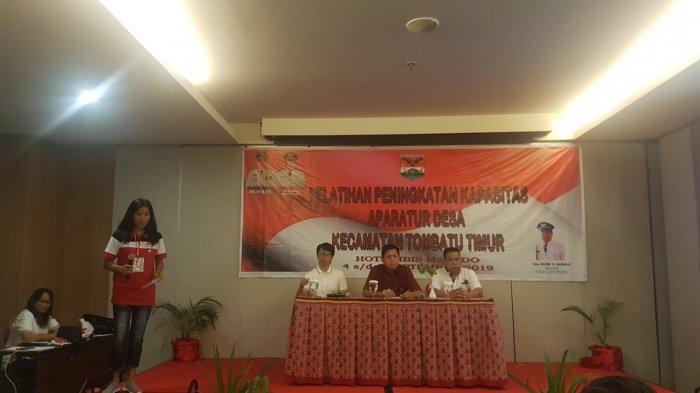 Wabup Mitra TutupPelatihan Peningkatan Kapasitas Aparatur Desa se-Kecamatan Tombatu Timur