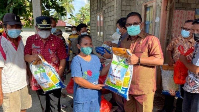 Wabup Talaud Moktar Arunde Parapaga Tinjau Lokasi Banjir di Kecamatan Tampan Amma