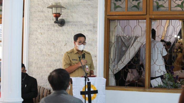 Wakil Gubernur Sulawesi Utara Steven Kandouw melayat ke rumah duka