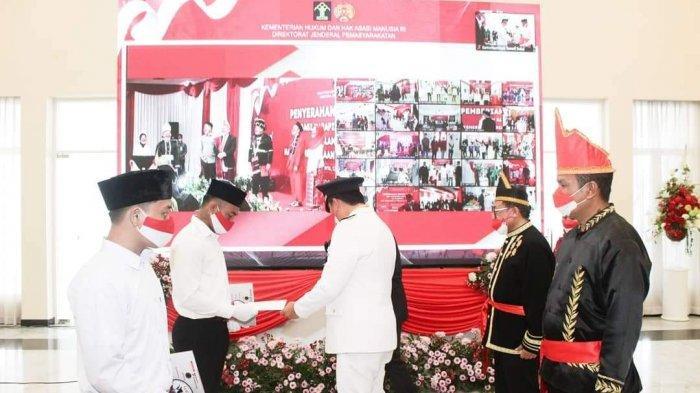 Peringatan HUT ke-76 Kemerdekaan RI, Steven Kandouw Serahkan Remisi Narapidana di Sulut