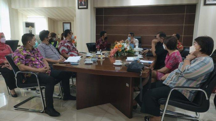 Wakil Wali Kota Bitung Hengky Honandar Dorong Pemberian Vaksinasi Covid-19 ke Masyarakat