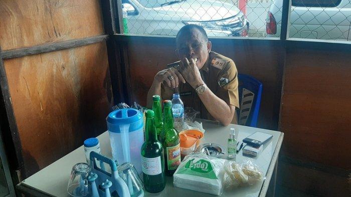 Sosok Sederhana Wawali Tomohon Wenny Lumentut yang Doyan Makan Mie Tulang di Kios Ed Woloan