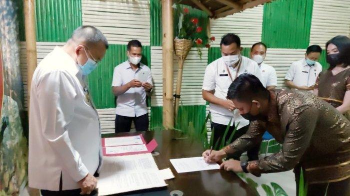 Perdana, Wakil Wali Kota Tomohon Wenny Lumentut Lakukan Pencatatan Perkawinan