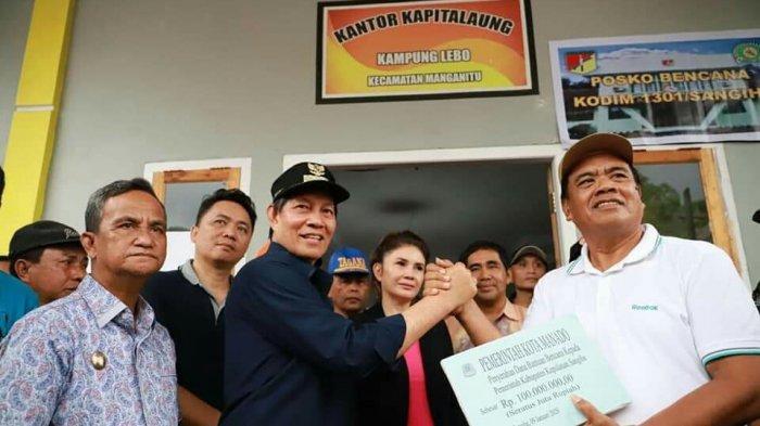 Wali Kota Berikan Bantuan kepada Korban Bencana di Sangihe