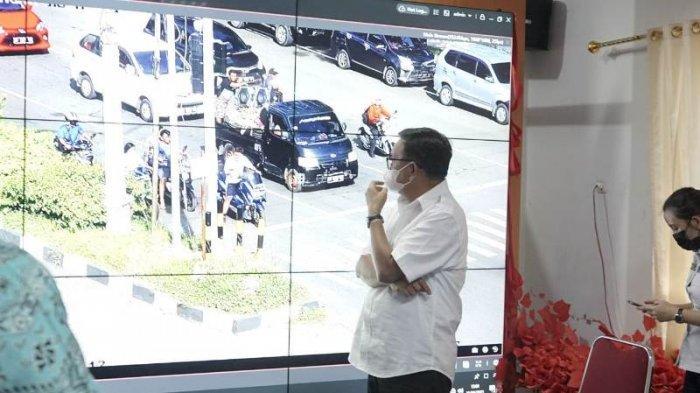 Ada Suara Ini di Lampu Lalu Lintas Simpang Empat Depan Kantor Wali Kota Bitung