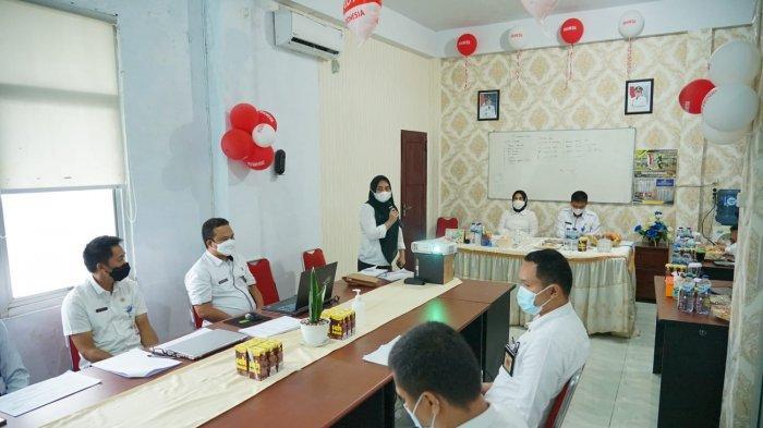 Wali Kota Kotamobagu, Ir Hj Tatong Bara, melaksanakan kegiatan kunjungan kerja ke Dinas Perumahan Rakyat dan Kawasan Permukiman (PRKP) Kota Kotamobagu, Rabu (25/8/2021) pagi.